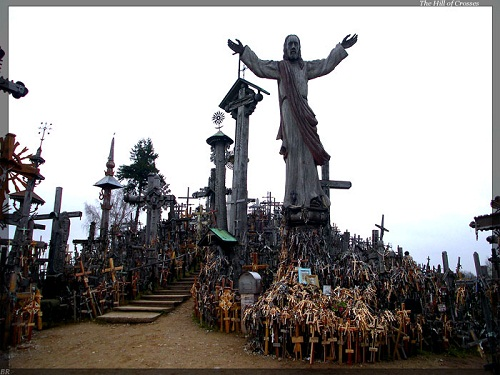 Vẻ đẹp lạ lùng của ngọn đồi thánh giá ở Lithuania - 4
