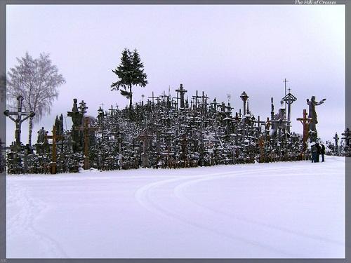 Vẻ đẹp lạ lùng của ngọn đồi thánh giá ở Lithuania - 5