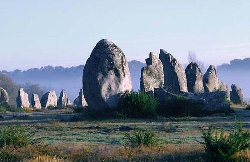 Chiêm ngưỡng đội quân đá bí ẩn ở miền Tây nước Pháp - 8