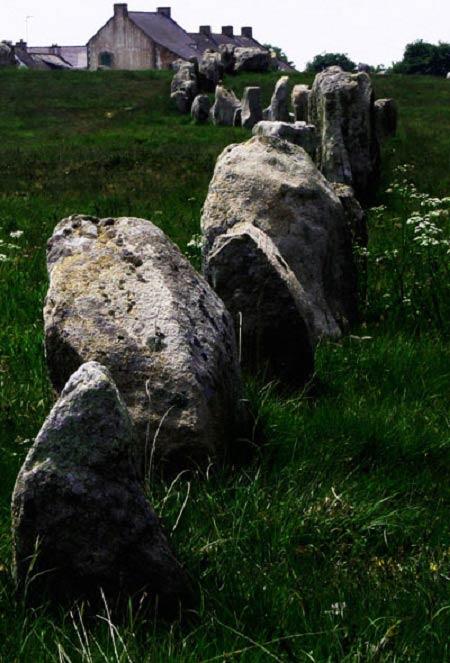 Chiêm ngưỡng đội quân đá bí ẩn ở miền Tây nước Pháp - 5