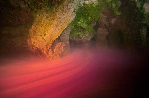 Những hang động kỳ thú dưới đáy biển Bahamas - 7
