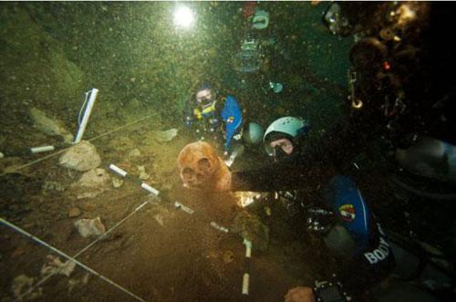 Những hang động kỳ thú dưới đáy biển Bahamas - 14