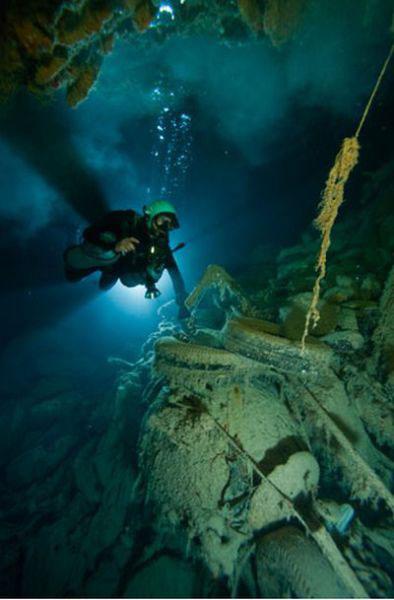 Những hang động kỳ thú dưới đáy biển Bahamas - 19