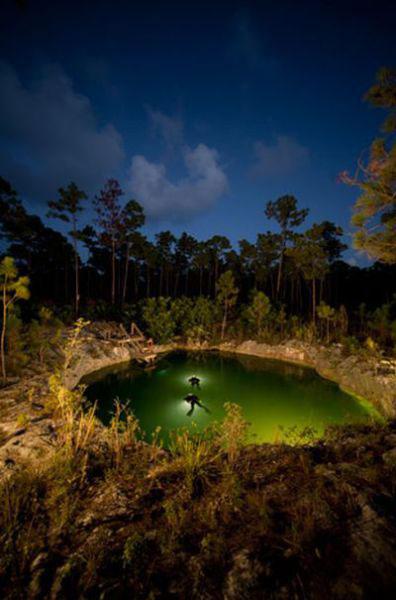 Những hang động kỳ thú dưới đáy biển Bahamas - 21