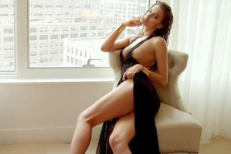 Hậu trường Irina Shayk khoe ngực hút mắt - 12