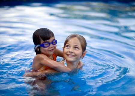 8 bệnh thường gặp khi tắm ở bể bơi - 2