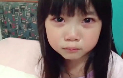 Bé gái 5 tuổi gây sốt - 2