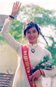 Top 4 mỹ nhân Việt có tri thức đáng nể - 7
