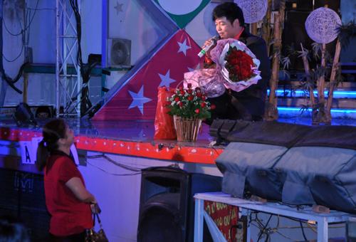 """""""Phê"""" vì Quang Lê - 1"""