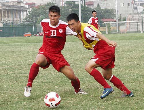 """Bị loại khỏi đội U22, cầu thủ Việt kiều """"sốc"""" - 1"""