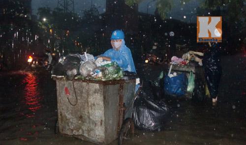 """Hà Nội thành """"sông"""" sau trận mưa lớn - 8"""