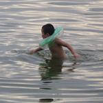Tin tức trong ngày - Bãi tắm tự phát: Đùa giỡn với tử thần
