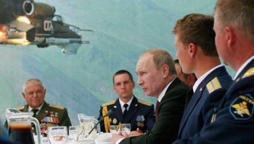 Putin: Nga cần có máy bay ném bom tầm xa - 1