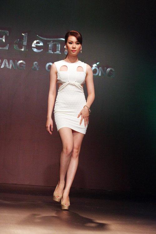 """Váy """"siêu"""" ngắn giải nhiệt ngày hè - 13"""