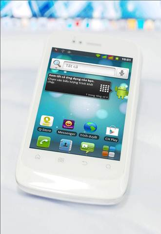 Q-mobile S11: Cng ngh Android 2 sim trong tm tay, Thi trang Hi-tech, 