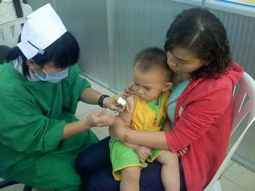 Tù mù... với dịch vụ tiêm vắc-xin - 1