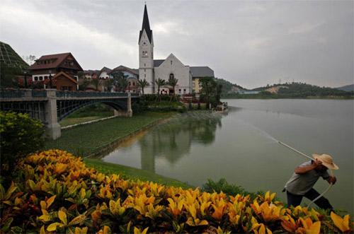 """Trung Quốc trình làng 2 khu làng """"nhái"""" - 5"""