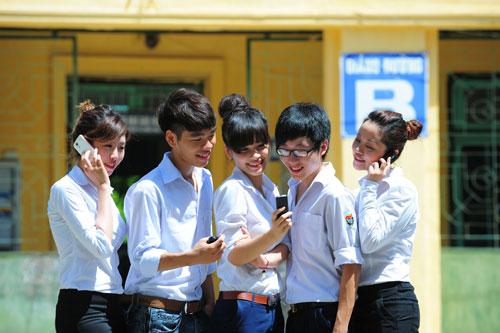 Viettel khích lệ học sinh có thành tích học tập tốt - 1