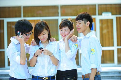 Viettel khích lệ học sinh có thành tích học tập tốt - 2