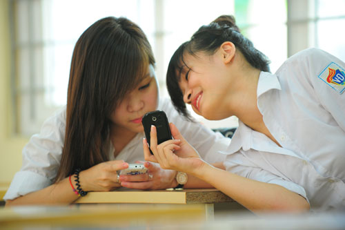 Viettel khích lệ học sinh có thành tích học tập tốt - 3