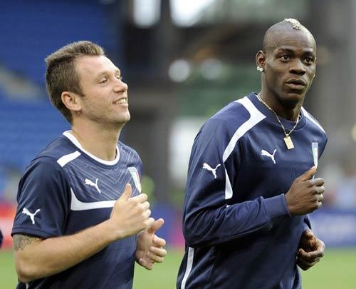 ĐT Italia & 3-5-2: Cần sự đổi thay? - 2