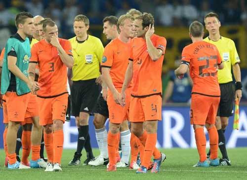 ĐT Hà Lan: Thay đổi và chờ vận may - 2