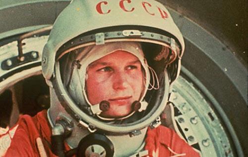 Những phụ nữ đầu tiên bay vào vũ trụ - 1