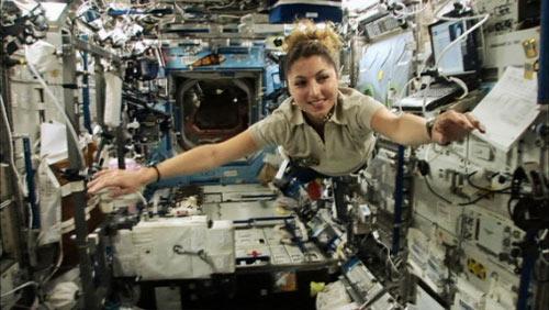 Những phụ nữ đầu tiên bay vào vũ trụ - 12