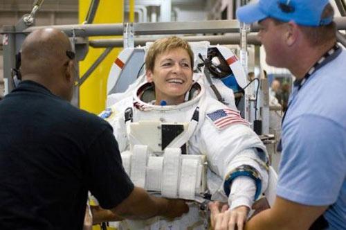 Những phụ nữ đầu tiên bay vào vũ trụ - 16