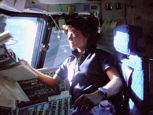 Những phụ nữ đầu tiên bay vào vũ trụ - 2