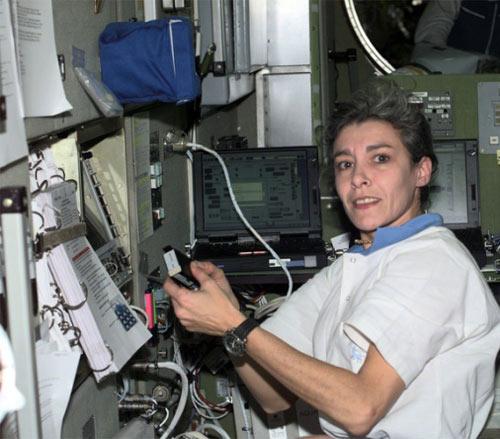 Những phụ nữ đầu tiên bay vào vũ trụ - 9