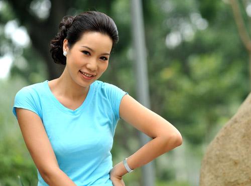 Trịnh Kim Chi: Đẹp để giữ chồng - 1