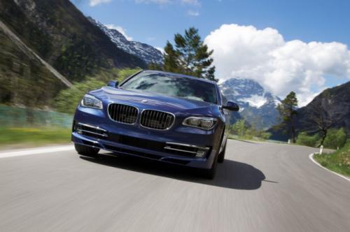 BMW B7 Alpina có giá 128,495 USD - 1