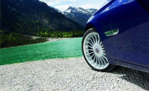 BMW B7 Alpina có giá 128,495 USD - 4