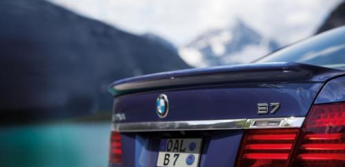 BMW B7 Alpina có giá 128,495 USD - 5
