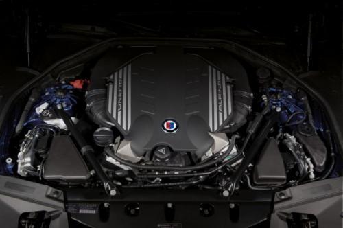 BMW B7 Alpina có giá 128,495 USD - 6