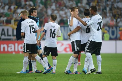 "Euro 2012 bảng B: ""Tử thần"" điểm mặt ai? - 1"