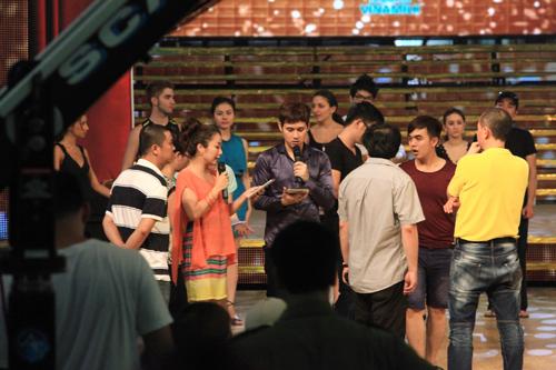 Lén xem trước đêm chung kết BNHV 2012 - 12