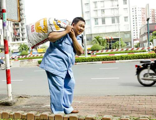 Minh Béo cật lực làm công nhân vệ sinh - 2
