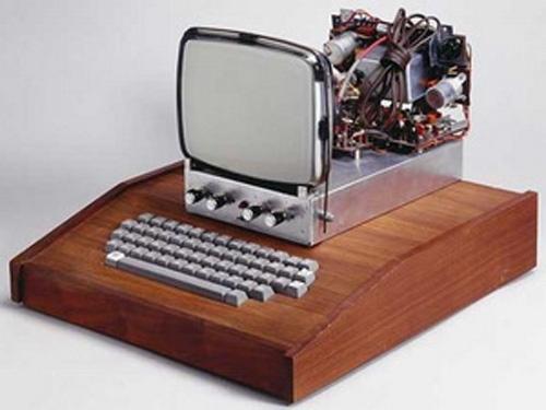 "Chiếc máy tính ""đồ cổ"" của Apple giá 374.000 USD! - 1"