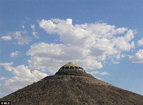 Rao bán nhà trên... miệng núi lửa - 9