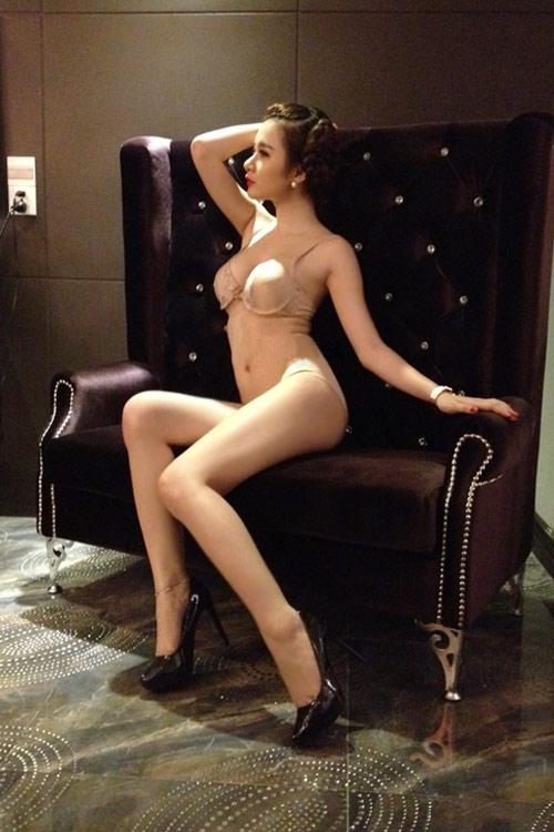 Hậu trường nóng bỏng của Angela Phương Trinh - 4
