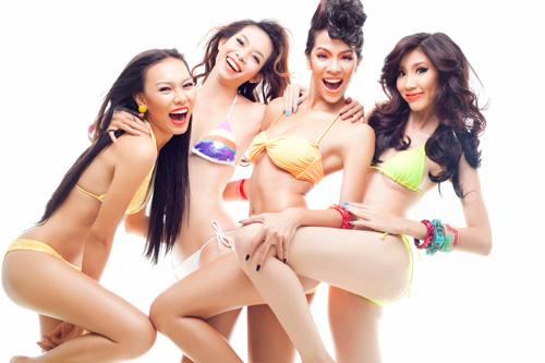 "Siêu mẫu ""siêu hot"" với bikini 2 mảnh - 2"