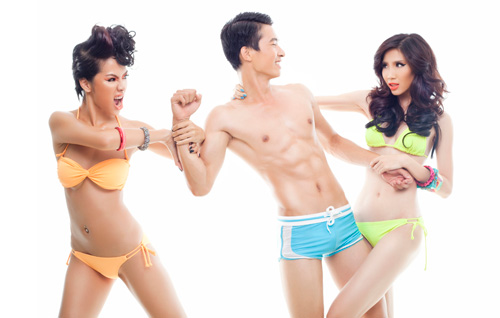 "Siêu mẫu ""siêu hot"" với bikini 2 mảnh - 5"