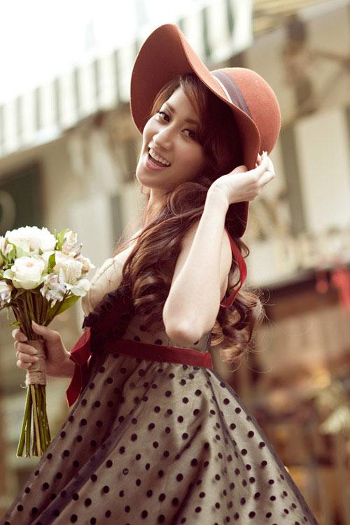 """Khánh Thi cười trừ trước tin hẹn hò Dũng """"khùng"""" - 3"""