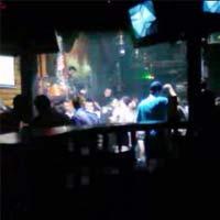 """""""Gái gọi sinh viên"""" sống bám nơi quán bar"""