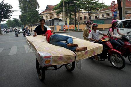 Những ảnh độc đáo chỉ có ở Việt Nam (55) - 6