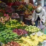 Thị trường - Tiêu dùng - Trái cây ế ẩm trước Tết Đoan Ngọ