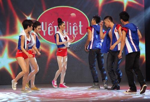 Chung kết Siêu mẫu 2012: Nhạt và sạn! - 5