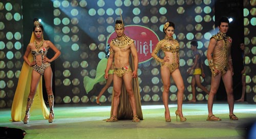 Chung kết Siêu mẫu 2012: Nhạt và sạn! - 8